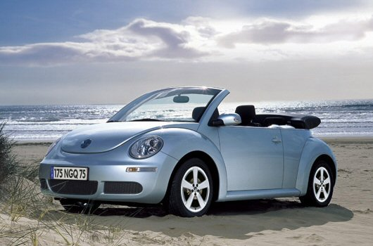 volkswagen new beetle cabrio versioni prezzi di listino e schede. Black Bedroom Furniture Sets. Home Design Ideas
